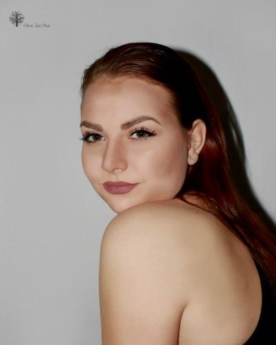 Nikol Zaharowská